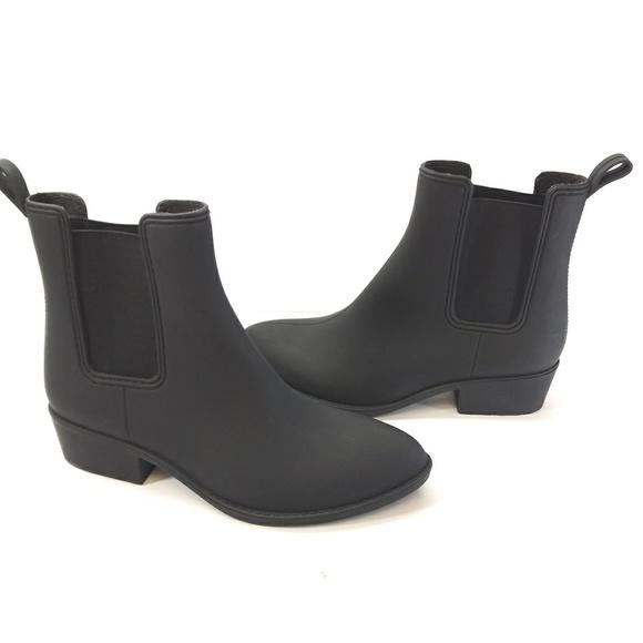 d6a636da8e4 Jeffrey Campbell Shoes - NWOT Jeffrey Campbell forecast Chelsea